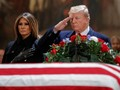 Trump Beri Penghormatan Terakhir untuk George HW Bush