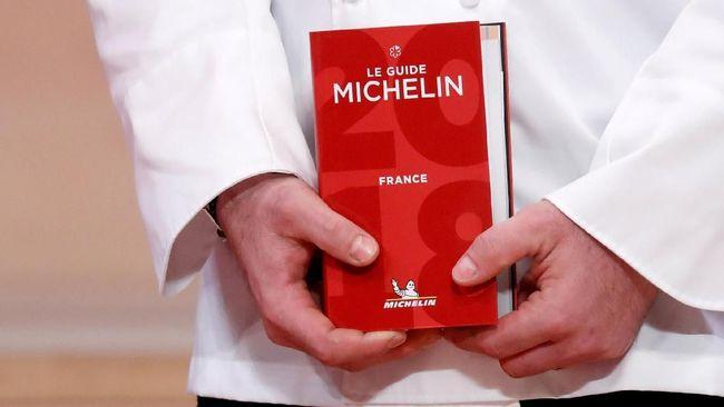 Koki asal Amerika Serikat, Dominique Crenn, mendapatkan penghargaan bintang tiga dari Michelin Guide.