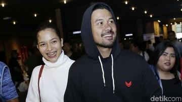 Kebahagiaan Chicco Jerikho Lihat Tingkah Menggemaskan Putrinya
