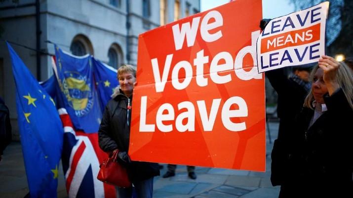 Brexit Berantakan, Desakan Referendum Kedua Memanas