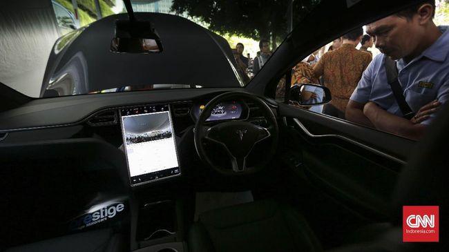 Kemenperin memprediksi akan ada kompetisi antara mobil green fuel engine atau 'flexy', hybrid dan murni kendaraan listrik di Indonesia.