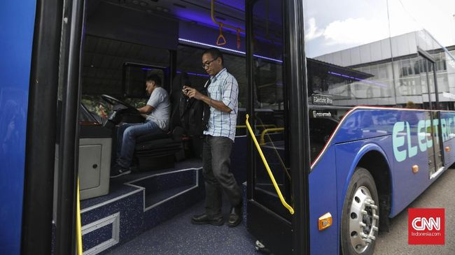 Bakrie Autopart menggandeng perusahaan bus asal China, BYD untuk pengadaan bisnis bus listrik armada Transjakarta.