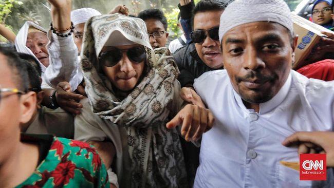 Kuasa hukum sayangkan perlakuan berbeda polisi dalam kasus pendukung Jokowi seperti Ade Armando, Victor Laiskodat, Abu Janda, dan Sukmawati Soekarnoputri.