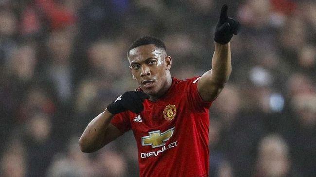 Winger Manchester United Anthony Martial mengaku lebih mudah bermain bersama Ole Gunnar Solskjaer dibanding saat dilatih Jose Mourinho.