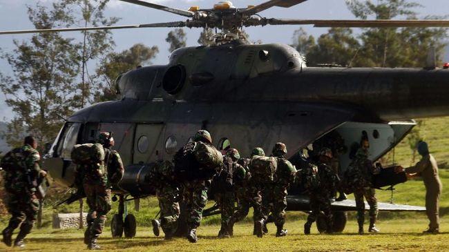 Kepolisian menyatakan pasukan TNI-Polri terlibat kontak senjata dengan kelompok Lamek Taplo yang sebelumnya menyerang puskesmas di Kiwirok, Papua.