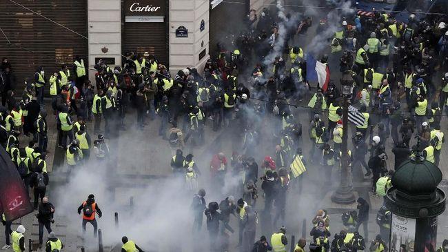 Massa demonstran 'rompi kuning' kembali terlibat bentrok dengan aparat kepolisian Prancis di Kota Montpellier dan mengakibatkan sejumlah fasilitas rusak.