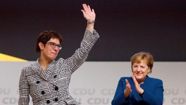 Annegret Kramp-Karrenbauer terpilih menjadi ketua Partai Persatuan Kristen Demokratik Jerman (CDU) menggantikan Angela Merkel sebagai ketua partai.