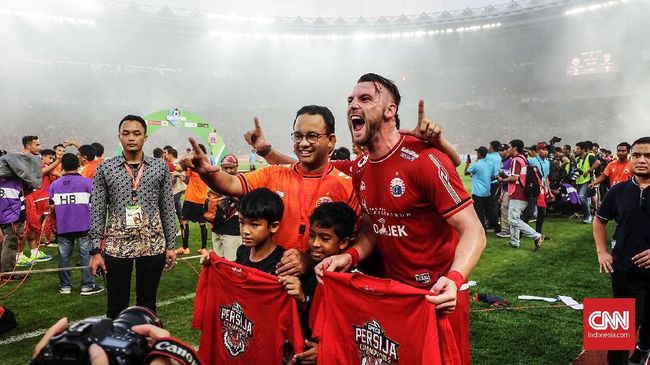 Menurut Anies, konvoi ditunda agar energi pemain Persija disimpan untuk pertandingan melawan Bogor FC dalam turnamen Piala Indonesia di Bali.