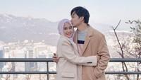 "<p>Muach! Kecup penuh cinta dari Anandito untuk<a href=""https://hot.detik.com/celeb/4203276/ini-dia-sosok-calon-suami-anisa-rahma-jalani-taaruf-sebelum-nikah"" target=""_blank"">Anisa Rahma</a> Foto: Instagram @anisarahma_12)</p>"