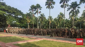 Satpol PP DKI Jakarta Siagakan Personel di Malam Tahun Baru