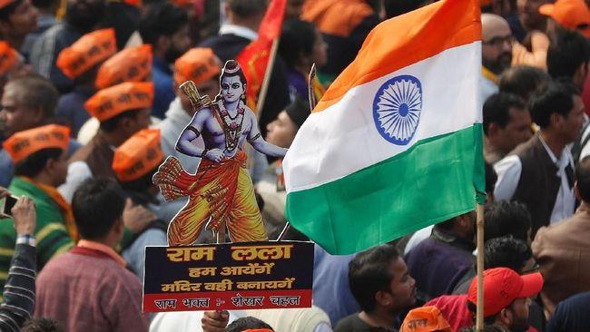 Puluhan ribu pengunjuk rasa Hindu garis keras berkumpul di New Delhi, Minggu (9/12), untuk mendesak pembangunan kuil Ram di atas reruntuhan masjid di Ayodhya.