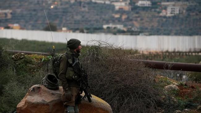 Israel dilaporkan memulai operasi penghancuran terowongan di perbatasan Libanon yang diduga dibangun kelompok Hizbullah untuk menyusup ke negaranya.