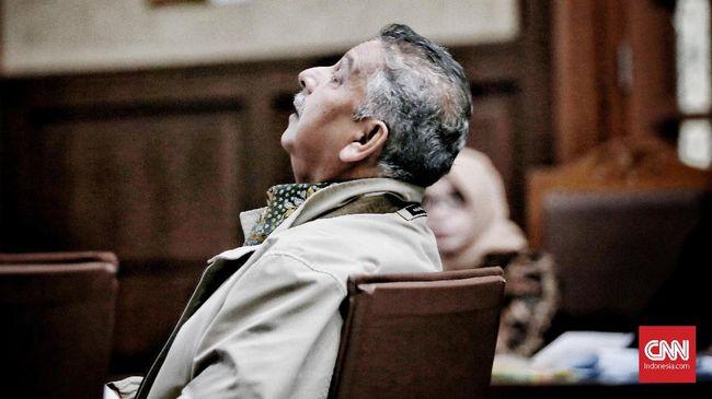 Sofyan Basir tak dapat memenuhi pemeriksaan KPK karena mengklaim sedang berada di Kejaksaan Agung untuk jadi saksi kasus leasing marine vessel power plant.