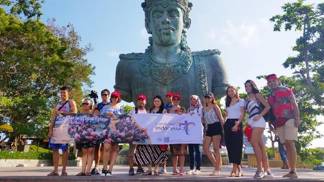 Bali menjadi daya tarik bagi wisatawan baik wisatawan Nusantara dan wisatawan mancanegara, untuk berlibur dan berwisata.
