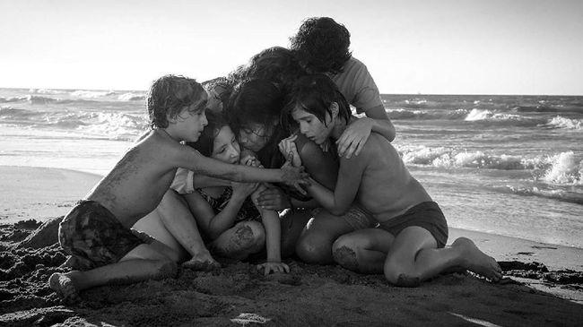 Film garapan Alfonso Cuaron, 'Roma' berhasil membawa pulang Best Foreign Language Film dalam ajang Golden Globe Awards 2019, Senin (7/1).
