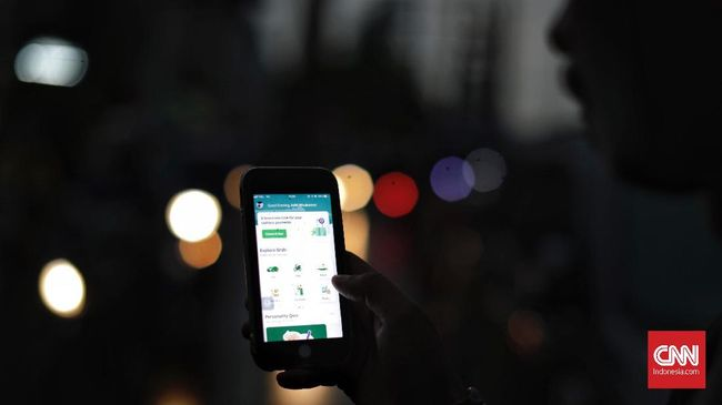 Berikut cara pakai tombol darurat yang ada di aplikasi Grab dan Gojek.