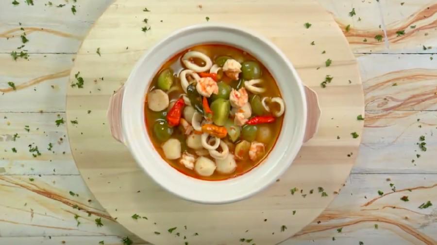 Resep Sup Marinara Kuah Asam, Seafood Segar untuk Makan Siang