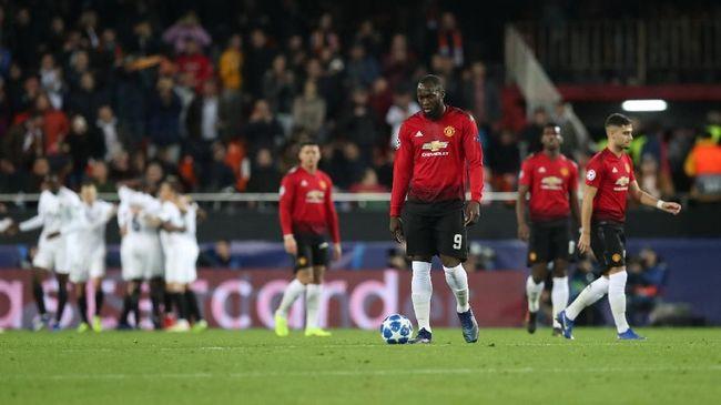 Manchester United untuk sementara tertinggal 0-1 dari Valencia pada laga pamungkas Grup G Liga Champions di Stadion Mestalla, Rabu (12/12) waktu setempat.