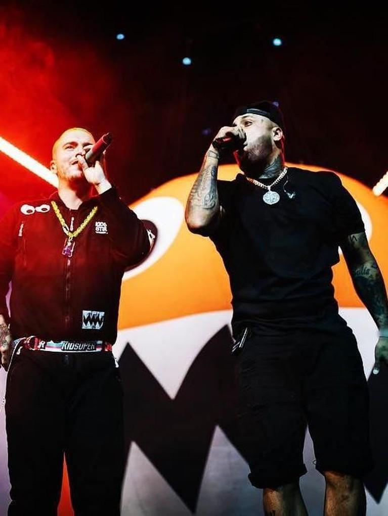 X. Lagu yang dinyanyikan oleh Nicky Jam x J Balvin ini telah ditonton 1,41 miliar kali. Musik video ini pertama kali diunggah pada 1 Maret lalu.