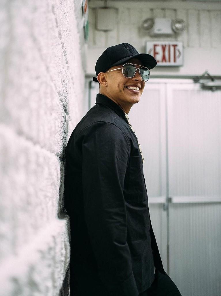 Dura. Lagu dari penyanyi asal Puerto Riko, Amerika Serikat ini berhasil ditonton sebanyak 1,19 miliar kali di Youtube. Daddy Yanke mengunggah musik video ini pada 18 Januari lalu.