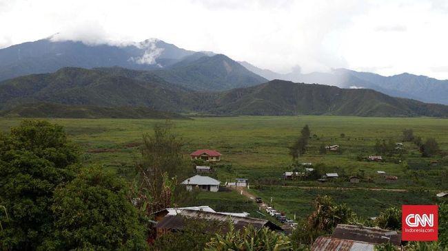 Polda Papua Barat dan Papua meminta masyarakat tenang menyikapi ucapan rasial Ambroncius Nababan kepada Natalius Pigai.