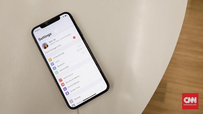 Apple menunda peluncuran iPhone 12 dan iPhone 9 (SE 2) akibat wabah corona SARS-CoV-2 yang rencananya meluncur September 2020.