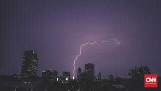BMKG Beri Peringatan Cuaca Buruk Bakal Terjadi Hingga Jumat