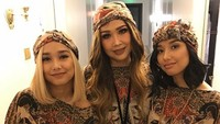 <p>Salma dan Salwa, anak kembar Titi DJ buah hati pernikahan dengan mantan suaminya, Bucek Depp. Kini, nggak kalah cantiknya dari sang bunda. (Foto: Instagram @ti2dj)</p>