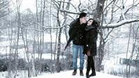 "<p><a href=""https://hot.detik.com/music/4336267/bakal-ada-pesta-malam-milenial-di-sweet-17-transmedia/228"" target=""_blank"">Rendy Pandugo</a> resmi menikahi Mia Sesari pada November 2013. Melihat kemesraan foto mereka bikin adem deh, Bun. (Foto: Instagram @miasesaria)</p>"