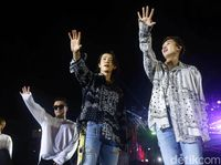Wow! Ada Rencana Kolaborasi Super Junior Dan Dira Sugandi