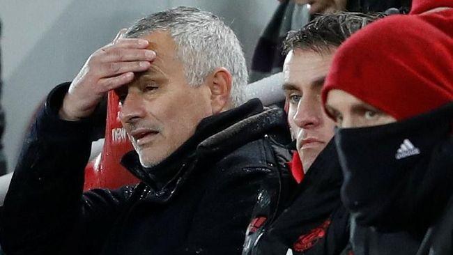 Manajer Manchester United Jose Mourinho mendapatkan sindiran berupa lagu dari pendukung Liverpool pada laga Liga Inggris di Anfield, Minggu (16/12).