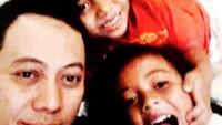 <p>Pelantun lagu Tombo Ati ini memang sangat dekat dengan anak-anaknya. (Foto: Instagram @opick_tomboati)  </p>