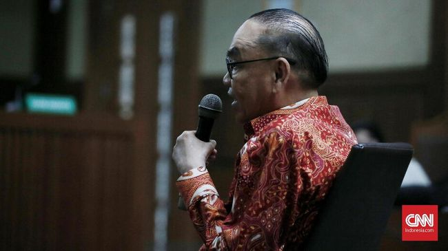 Johannes Kotjo mengaku bahwa uang senilai Rp4,75 miliar itu tak terkait sama sekali dengan PLTU Riau-1.