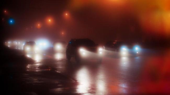 Untung Rugi Lampu Kabut Putih saat Hujan Lebat dan Kabut