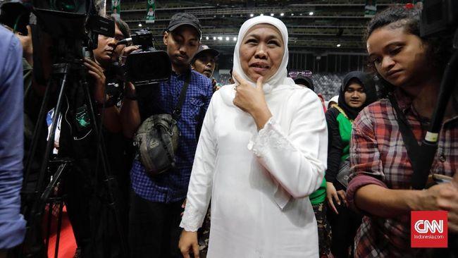 Gubernur Jawa Timur Khofifah Indar Parawansa kaget ketika mengetahui Iqbaal Ramadhan ternyata 'satu kampung halaman' dengannya.