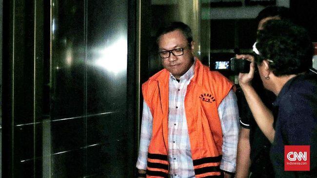 KPK menjadwalkan pemeriksaan Bupati Pakpak Bharat Remigo Yolando Berutu dalam kasus dugaan suap proyek Dinas PUPR pada Jumat (21/12).