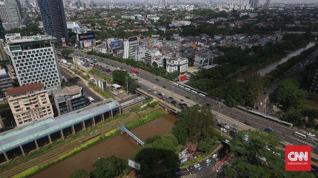 Yayasan Lembaga Konsumen Indonesia (YLKI) menilai KRL premium bakal menyingkirkan KRL reguler yang jadi andalan warga Jabodetabek.