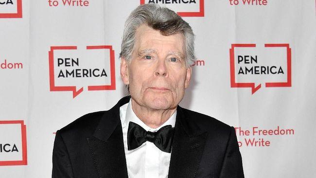 Setelah Pet Sematary dan It, satu lagi karya Stephen King bakal rilis di bioskop. Film itu diadaptasi dari novel The Girl Who Love Tom Gordon.