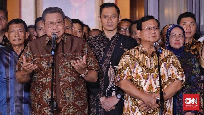 Ketua Umum Demokrat SBY memberikan banyak wejangan kepada Prabowo Subianto dan Sandiaga Uno jelang debat perdana pilpres 2019 Kamis (17/1) mendatang.