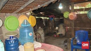 Kado Akhir Tahun Buat Emak-emak Banggai, Lampu Hemat Energi