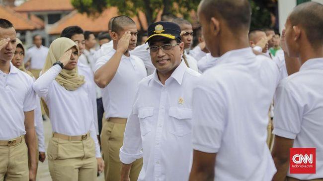 Menhub Budi Karya akan berkomunikasi dengan Serikat Pekerja Garuda Indonesia (Sekarga) agar tidak terjadi mogok kerja pegawai Garuda.
