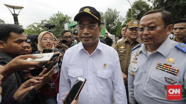 Menteri Perhubungan Budi Karya Sumadi berbicara mengenai kemungkinan bahwa ia bakal terpilih kembali dengan menyerahkan semuanya pada yang di atas.