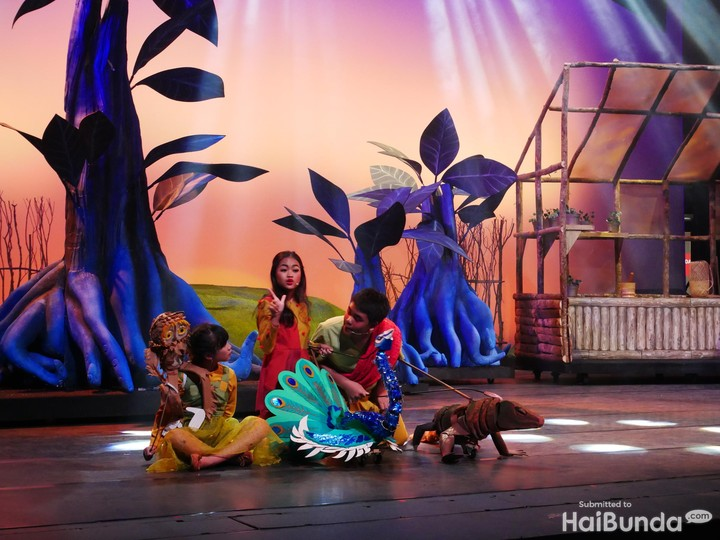 Menyambut Hari Ibu dengan penuh semangat. Seperti persembahan para anak-anak bertalenta dalam drama musikal untuk mengapresiasi jasa ibu.