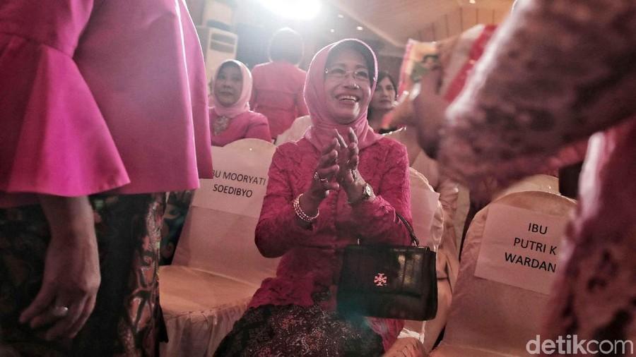 Semasa Hidup, Ibunda Jokowi Selalu Baca Al Ikhlas 100 Kali Setiap Hari