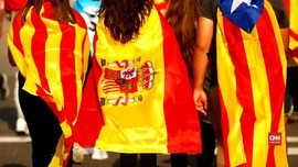 VIDEO: Rapat Kabinet Spanyol Picu Amarah Massa Pro-Katalonia