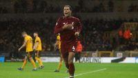 Tak Ada Van Dijk, Bagaimana Lini Belakang Liverpool?