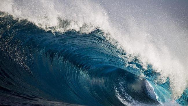 BMKG menyebut otensi tsunami bisa terjadi di banyak wilayah Indonesia, di sepanjang jalur pertemuan lempeng yang ada sumber gempa di dalam laut.