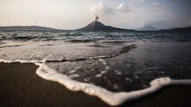 Ahli Vulkanologi Sebut Dentuman dari Anak Krakatau