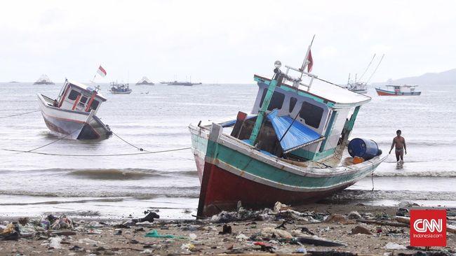 Tsunami Selat Sunda tak terdeteksi oleh BMKG karena bukan berasal dari gempa. Peralatan pendeteksi yang rusak menjadi masalah lainnya.
