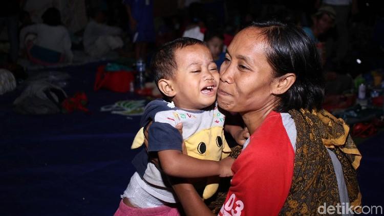 Bagi Bunda dan keluarga yang ingin menyalurkan bantuan untuk korban tsunami Selat Sunda, CT Arsa Foundation membuka donasi.